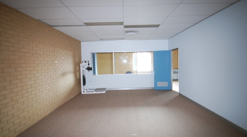 Woodlark 124 Suite 3 005