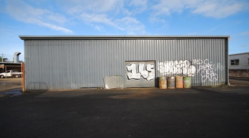 Larkin 61 05