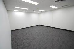 Magellan 75 Top Floor Front Suite (10)