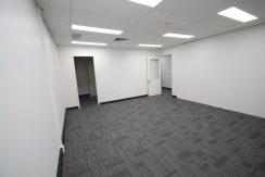 Magellan 75 Top Floor Front Suite (12)