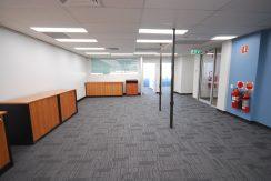 Magellan 75 Top Floor Front Suite (16)