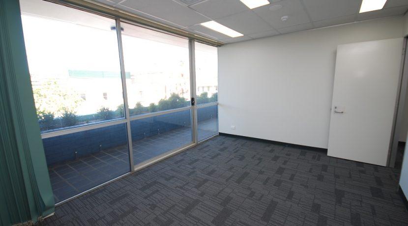 Magellan 75 Top Floor Front Suite (8)