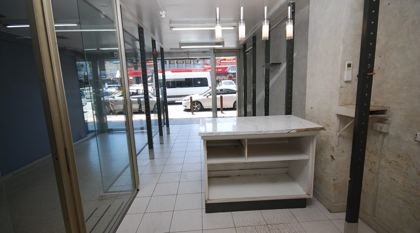 Woodlark 39 Shop B (14)
